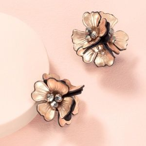 Stella & Dot Juliana Statement Studs